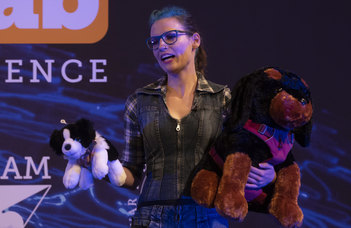 Vékony Kata nyerte a FameLab tudománykommunikációs versenyt