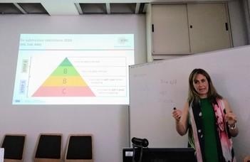 Az Európai kutatási Tanács (ERC) munkatársa,  Silvia Nicolau-Solano ELTE TTK-ra látogatott.